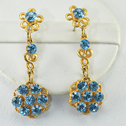 Swarovski Crystals Gold earrings