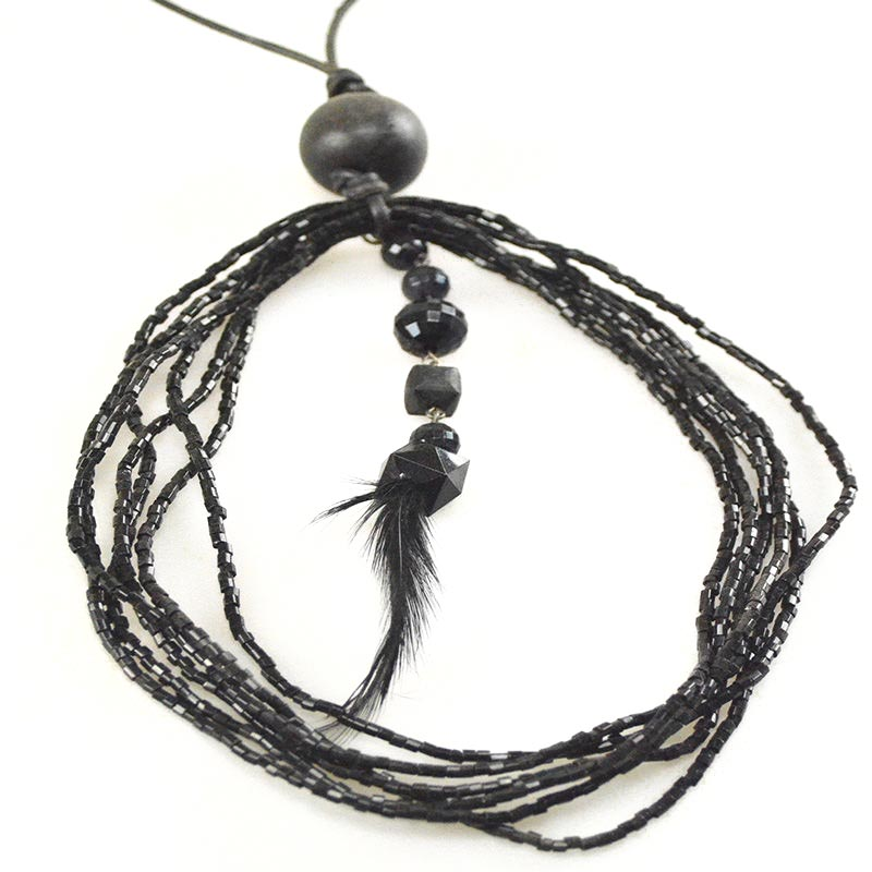 Necklace with feather black