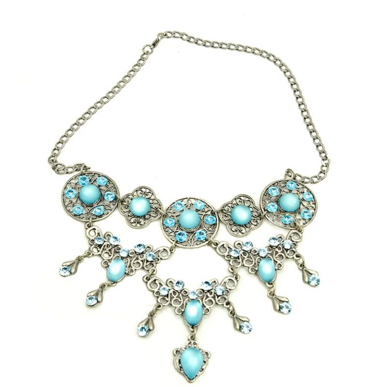 Blue crystal necklace set with earrings