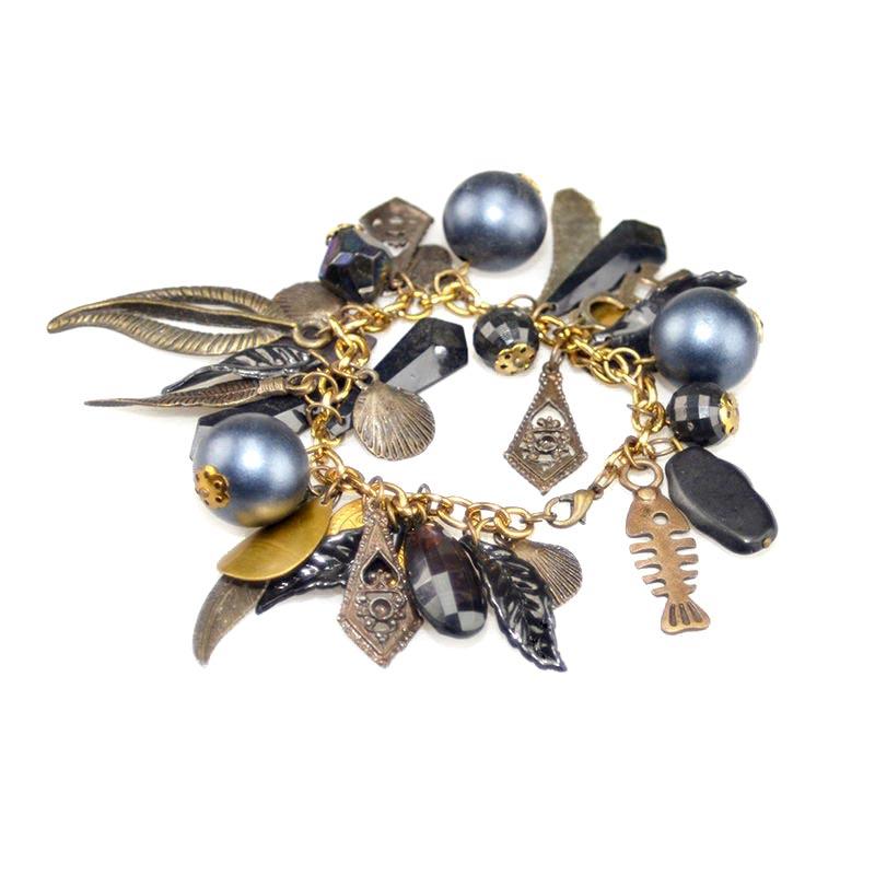 Bracelet blue with charms gold color Trio Bedelarmbanden Aanbieding