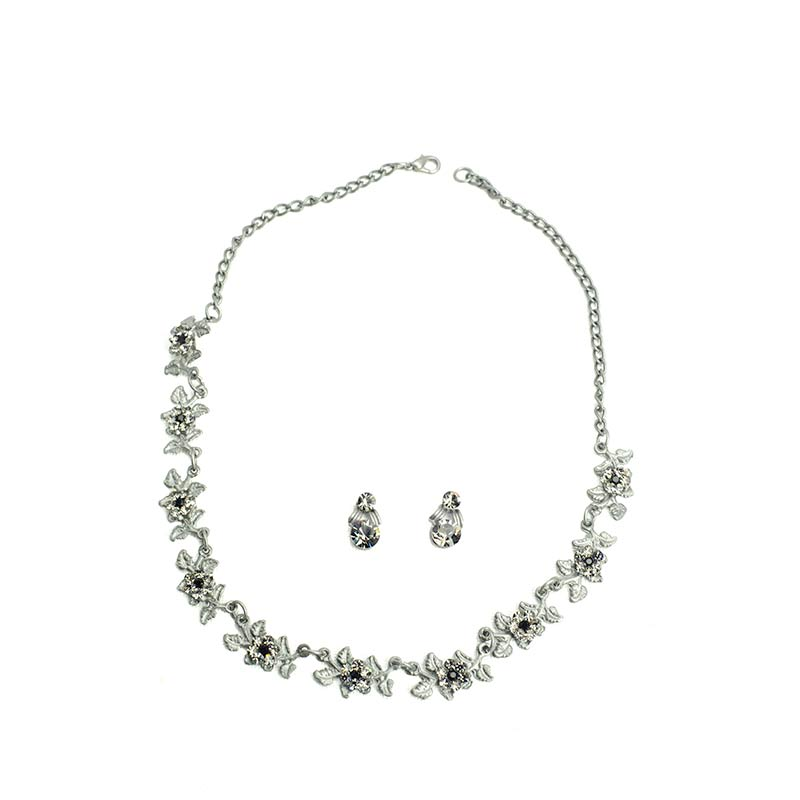 Little Leaves Necklace Set