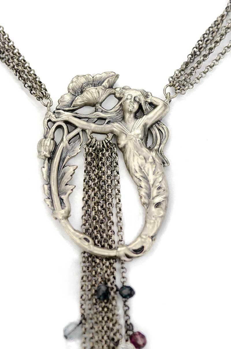 art nouveau halsketting met medaillon detail