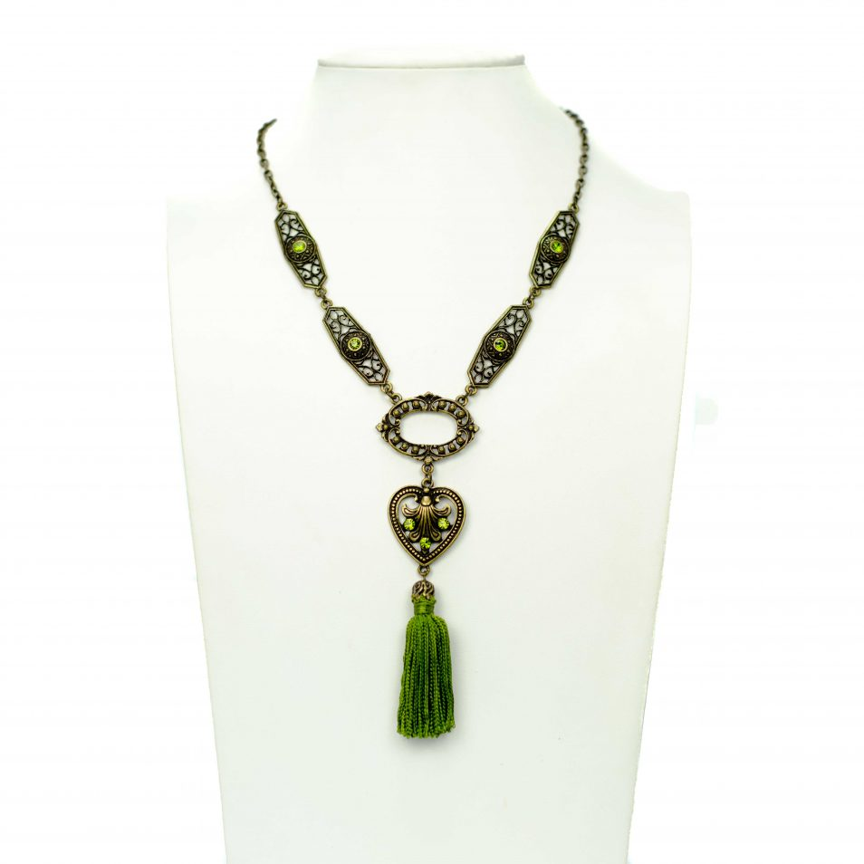 green tassel set