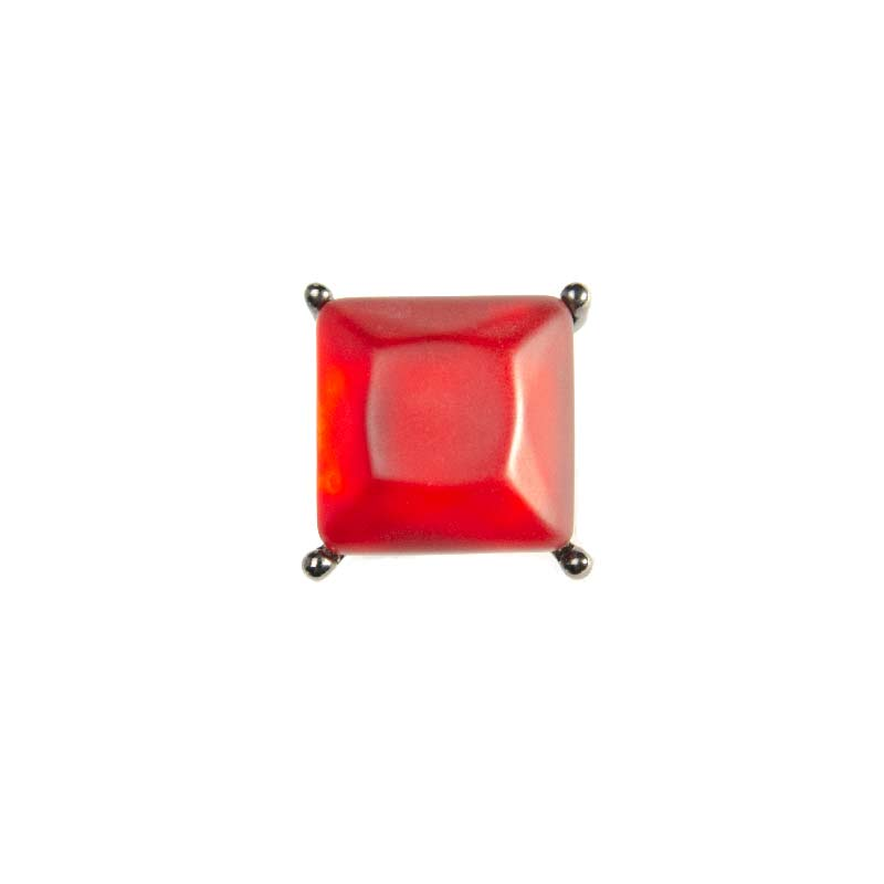 Ring met grote rode steen