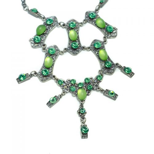 Green Vintage Look Necklace Set