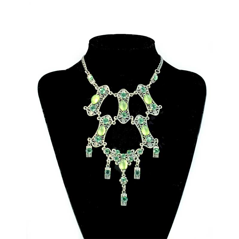 Green vintage necklace
