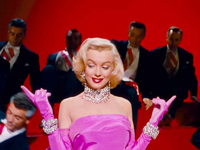 Marilyn Monroe draagt Swarovki Sieraden